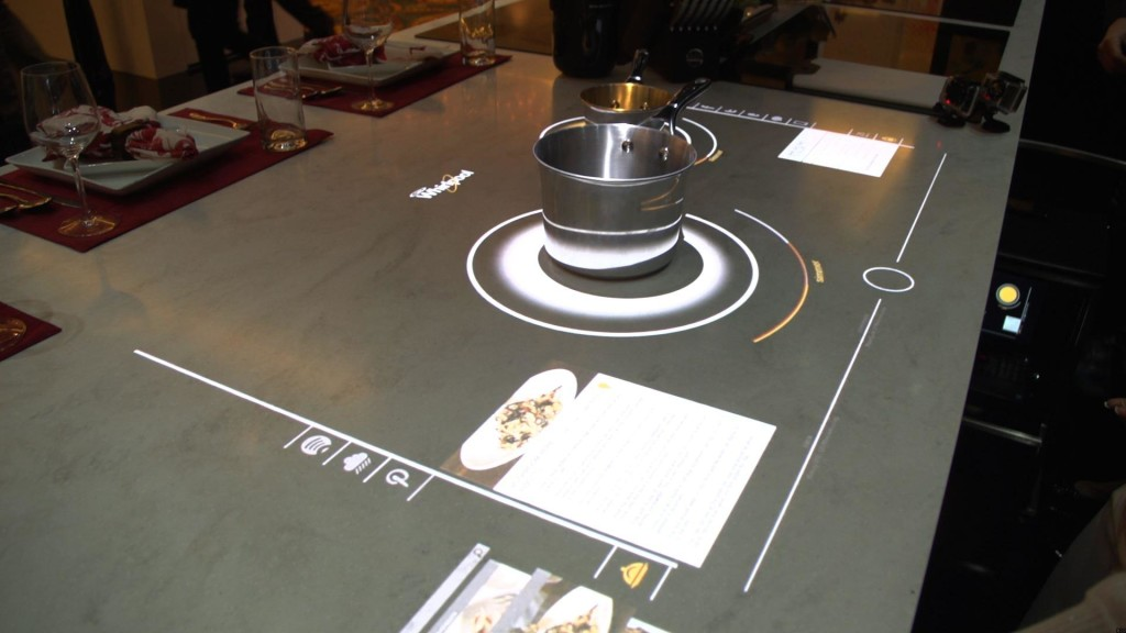 ces14_whirlpoolconnected_1